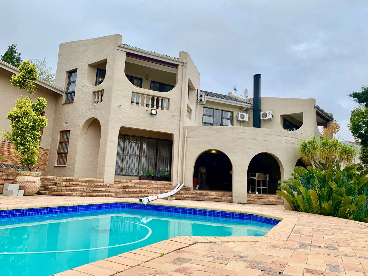 4 Bedroom House For Sale in Protea Heights | Seeff Property Group